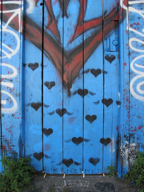 SF Clarion Alley flying hearts