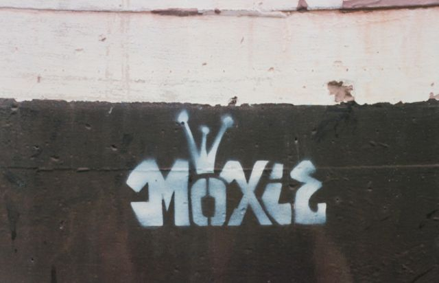 SF Mission 1999 17th at potrero MOXIE